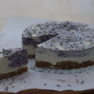 raw vegan cheesecake met bosbessen