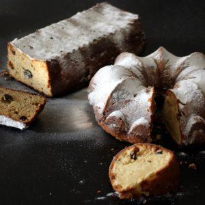 Feest cake met rozijnen en witte chocolade